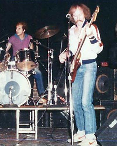 Perfect Stranger band at Gildersleeves in NYC, probably 1981. Jon Montgomery: vocals, Hank Dunne: guitar, Rich Sweeney: guitar, Tony Kindurgi: drums.